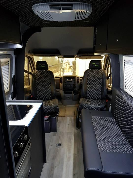 VW-Crafter-Jupiter-Black-Edition-Front-Interior