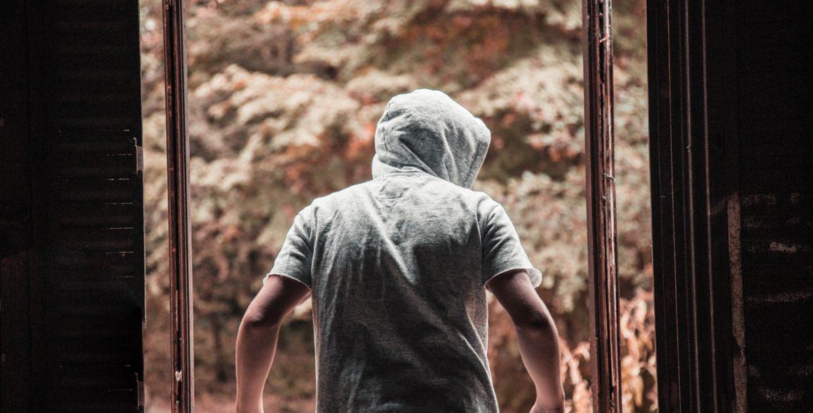 men's gray pullover hooded jacket